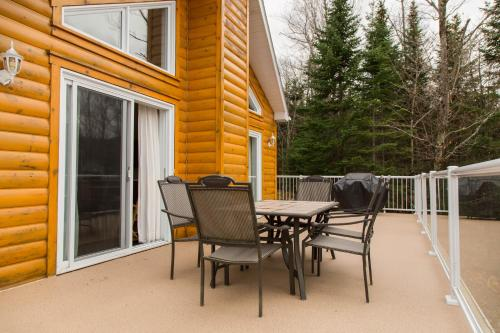 Three-Bedroom Chalet (14 Adults)