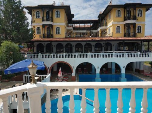 Kusadası Altinsaray Hotel address
