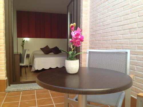 Habitación Doble con terraza - 1 o 2 camas Hotel la Bastida 14