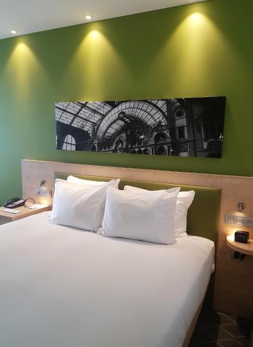 Hampton By Hilton Antwerp Central Station in Antwerp