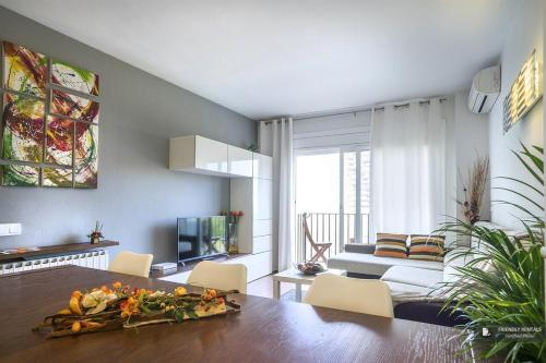 Charming 5 bedroom Apartment in Barcelona (FC2387)