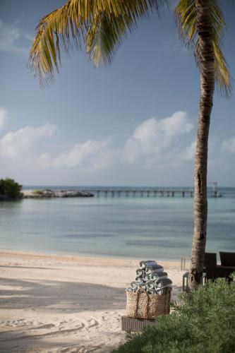 Boulevard Kukulcan, Punta Nizuc, 77500 Cancun, QROO, Mexico.