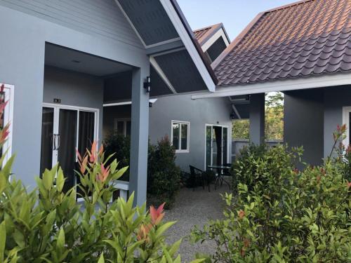 Mambo house 4 Mambo house 4