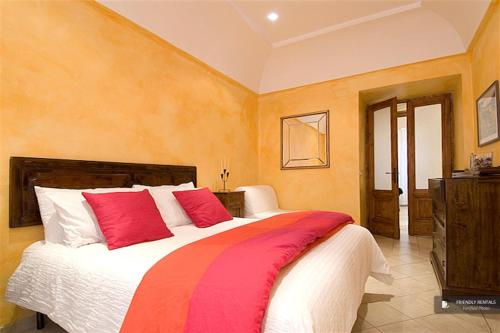 Splendid 3 bedroom Apartment in Rome (FC8811)