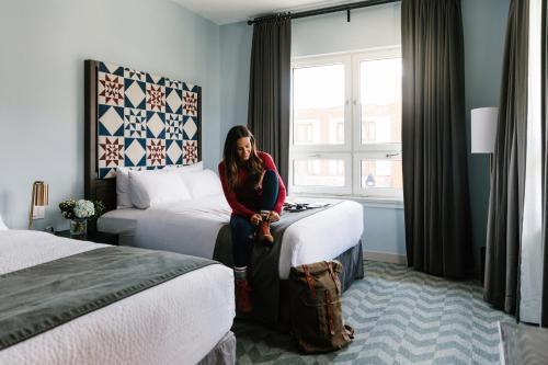 Mount Royal Hotel - Banff, AB T1L 1A7
