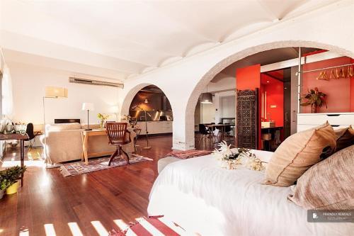 Splendid 2 bedroom Apartment in Barcelona (FC7971)