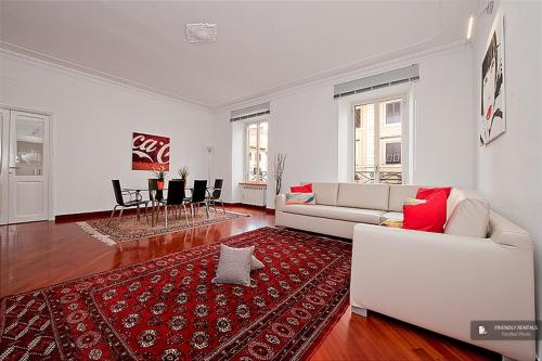 Exquisit 3 bedroom Apartment in Rome (FC6156)