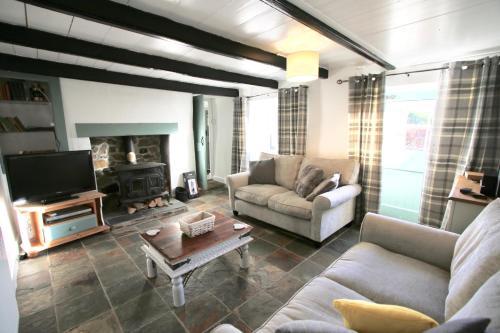 Bosken - A Proper Cornish Cottage In Pretty Village Location, St Austell, Cornwall