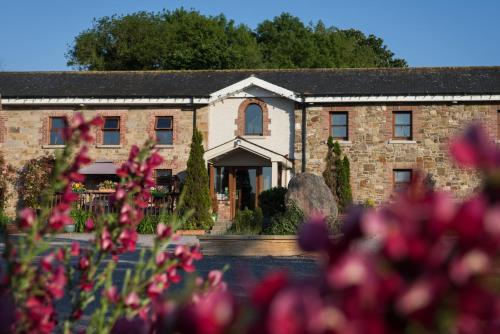 . Newgrange Lodge