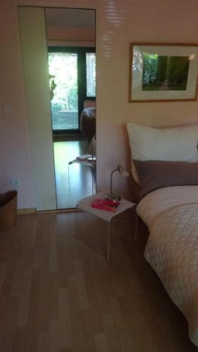 Guest Apartment Unterbach photo 9