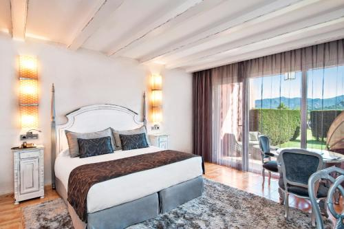 Double Room with Private Garden and Spa Access Mas Tapiolas 1