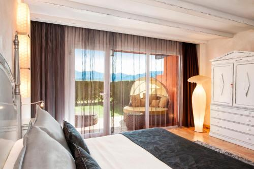 Double Room with Private Garden and Spa Access Mas Tapiolas 3