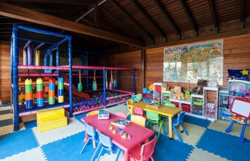Habitación Familiar con jardín privado (2 adultos + 2 niños) Mas Tapiolas 13