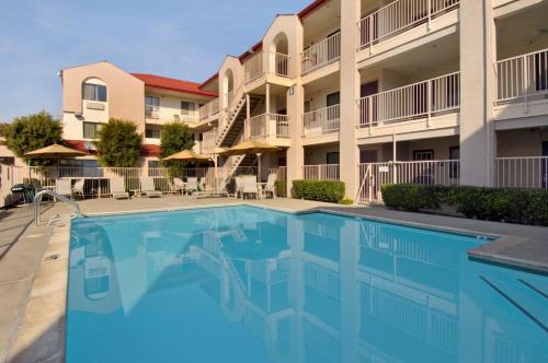 California Inn and Suites Rancho Cordova - Rancho Cordova, CA CA 95670