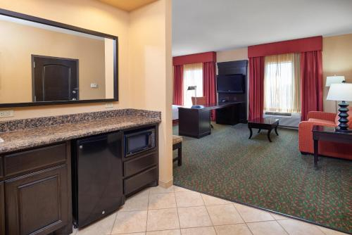 Hampton Inn & Suites Waco-South in Waco