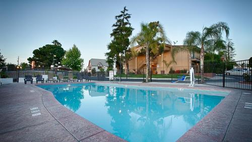 Best Western Plus Hill House - Bakersfield, CA CA 93301
