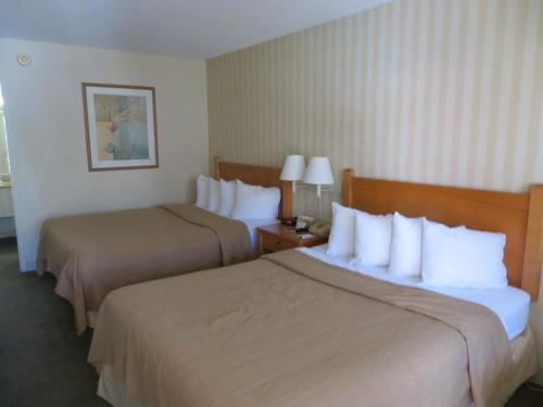 Travelodge By Wyndham Palm Springs - Palm Springs, CA 92264