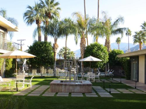 7 Springs Inn & Suites - Palm Springs, CA CA 92262
