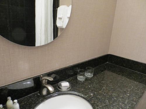 7 Springs Inn & Suites Main image 1
