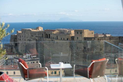 Via Partenope 45, Lungomare Caracciolo, 80121 Naples, Italy.