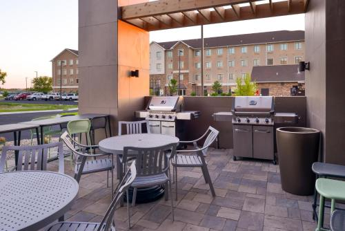 Home2 Suites By Hilton Merrillville - Merrillville, IN 46410