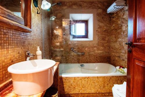 Family Junior Suite Can Lluc Hotel Rural 1