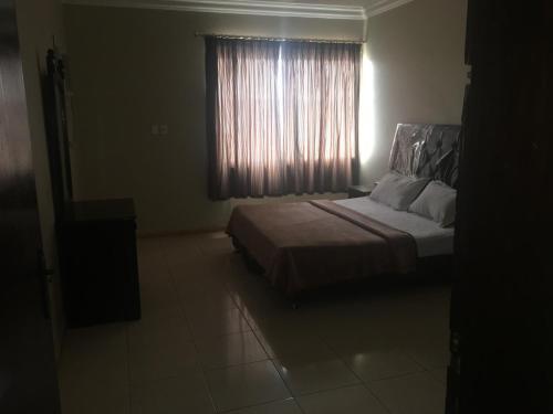 Al Qimah Apartments - Photo 8 of 11