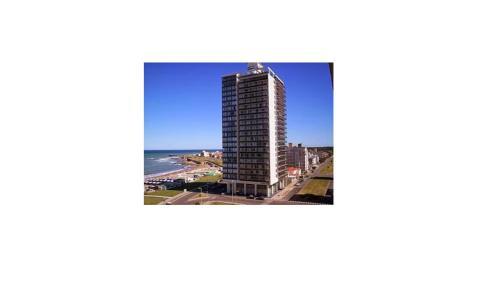 . Edificio Playa Club