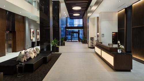 Ac Hotel By Marriott Montreal Downtown - Photo 2 of 32