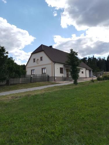 Chalupa u lesa - Nova Ves - Český Rudolec