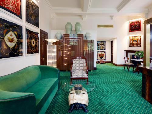 Milestone Hotel Kensington photo 87