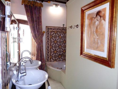 Habitación Doble Deluxe con bañera de hidromasaje - 1 o 2 camas Boutique Hotel Nueve Leyendas 9