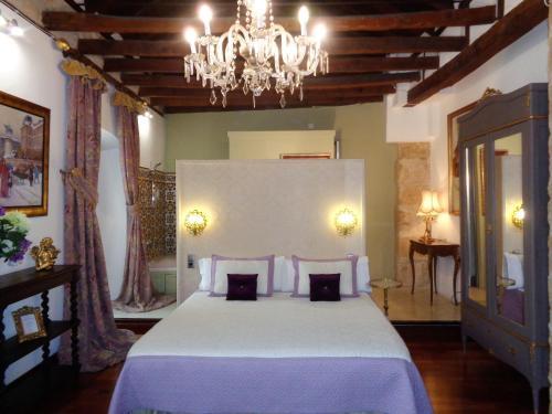Deluxe Double or Twin Room with Spa Bath Boutique Hotel Nueve Leyendas 2