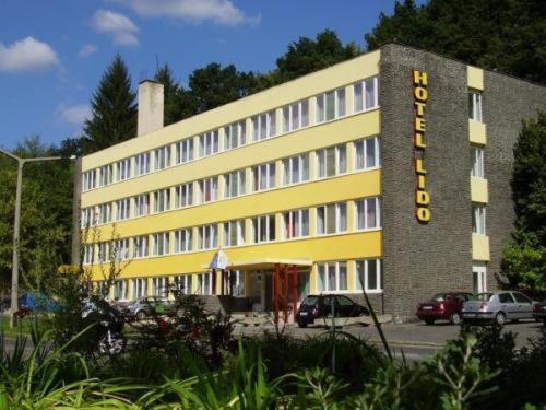 . Hotel Lido