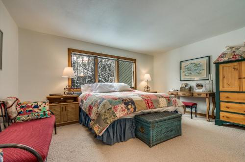 Riverside D02 Two-bedroom Apartment - Telluride, CO 81435