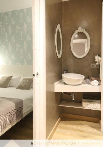 Suite Place Barcelona photo 140