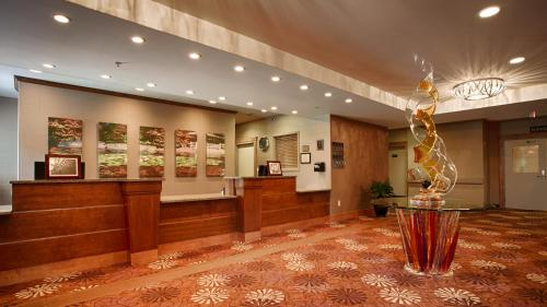 Camrose Resort Casino BW Premier Collection - Camrose, AB T4V0K9