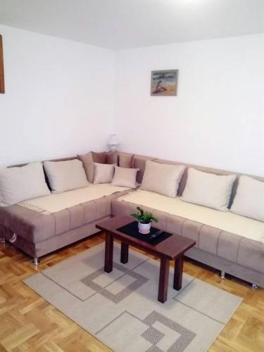 . Apartment Laća