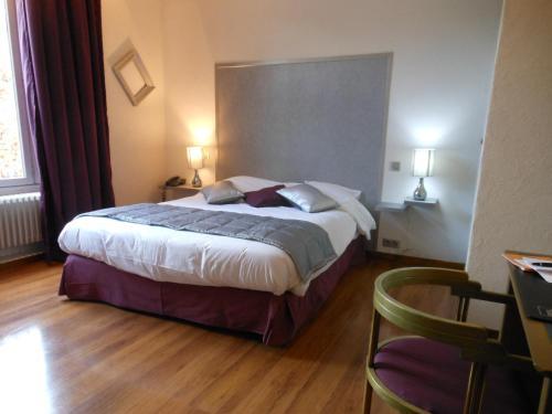 . Hotel de l'Ecu de France