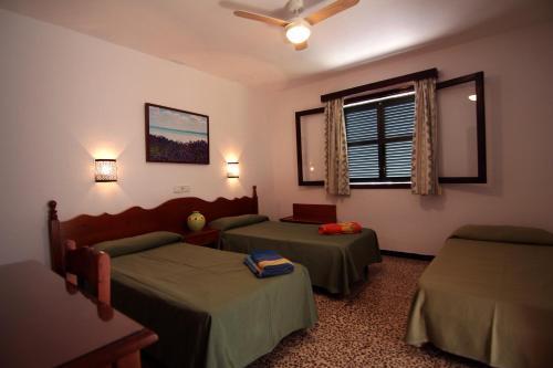 Hostal La Ceiba room photos
