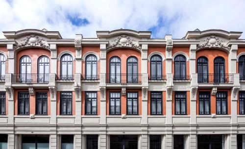 . Thomaz Palace