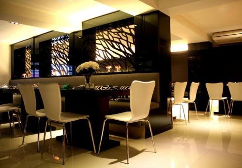 Hotel Vista Express photo 24