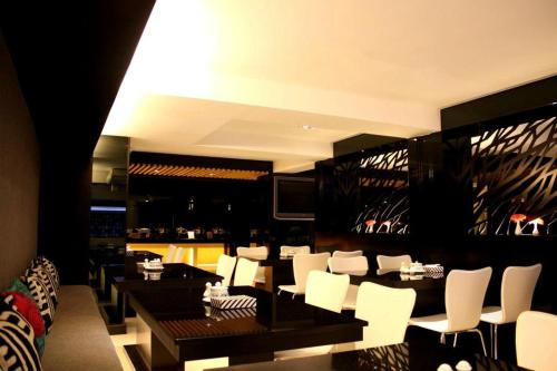 Hotel Vista Express photo 29