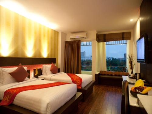 Superior Twin Room with Round-Trip Airport Transfer