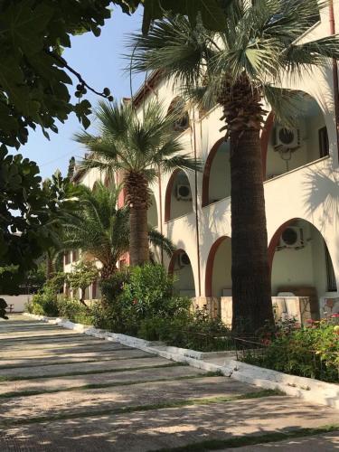 Karahayit Karahalli Termal Otel rezervasyon
