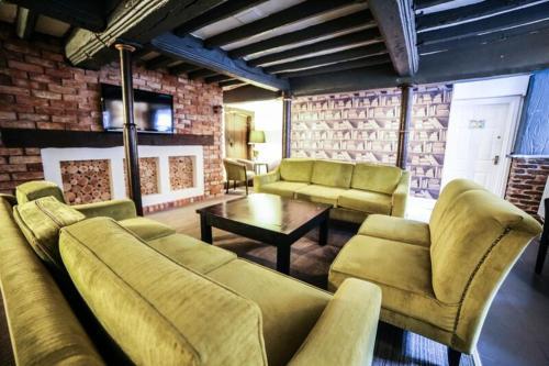 Faenol Fawr Country Hotel - Photo 2 of 11