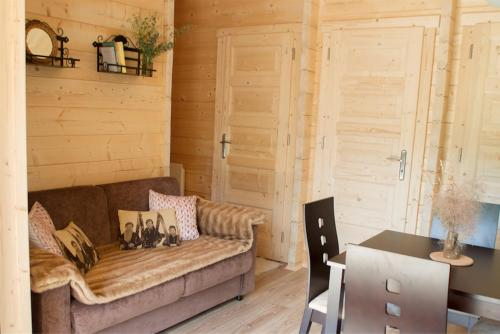 Chalet de 2 dormitorios (Two-Bedroom Chalet)