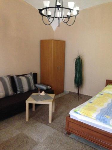 Gabriella Apartman, Pension in Eger