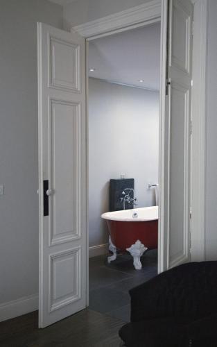 9 Rue Bornier, 34000 Montpellier, France.