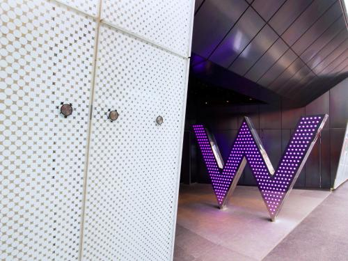 W London Leicester Square photo 8
